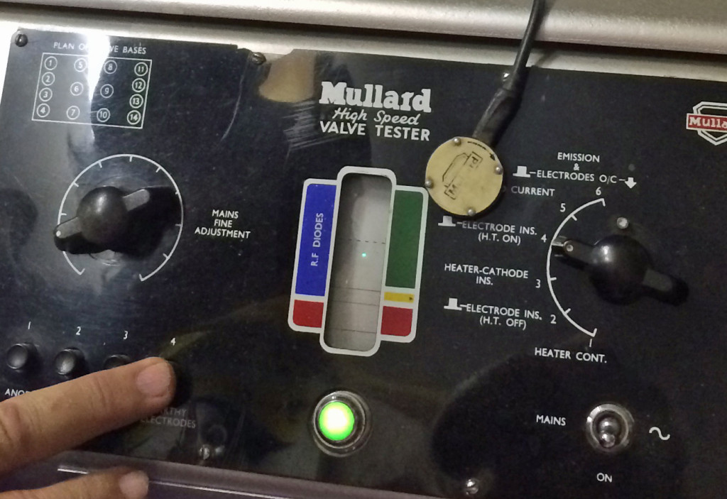 The Mullard High-Speed Valve Tester has a CRT!!