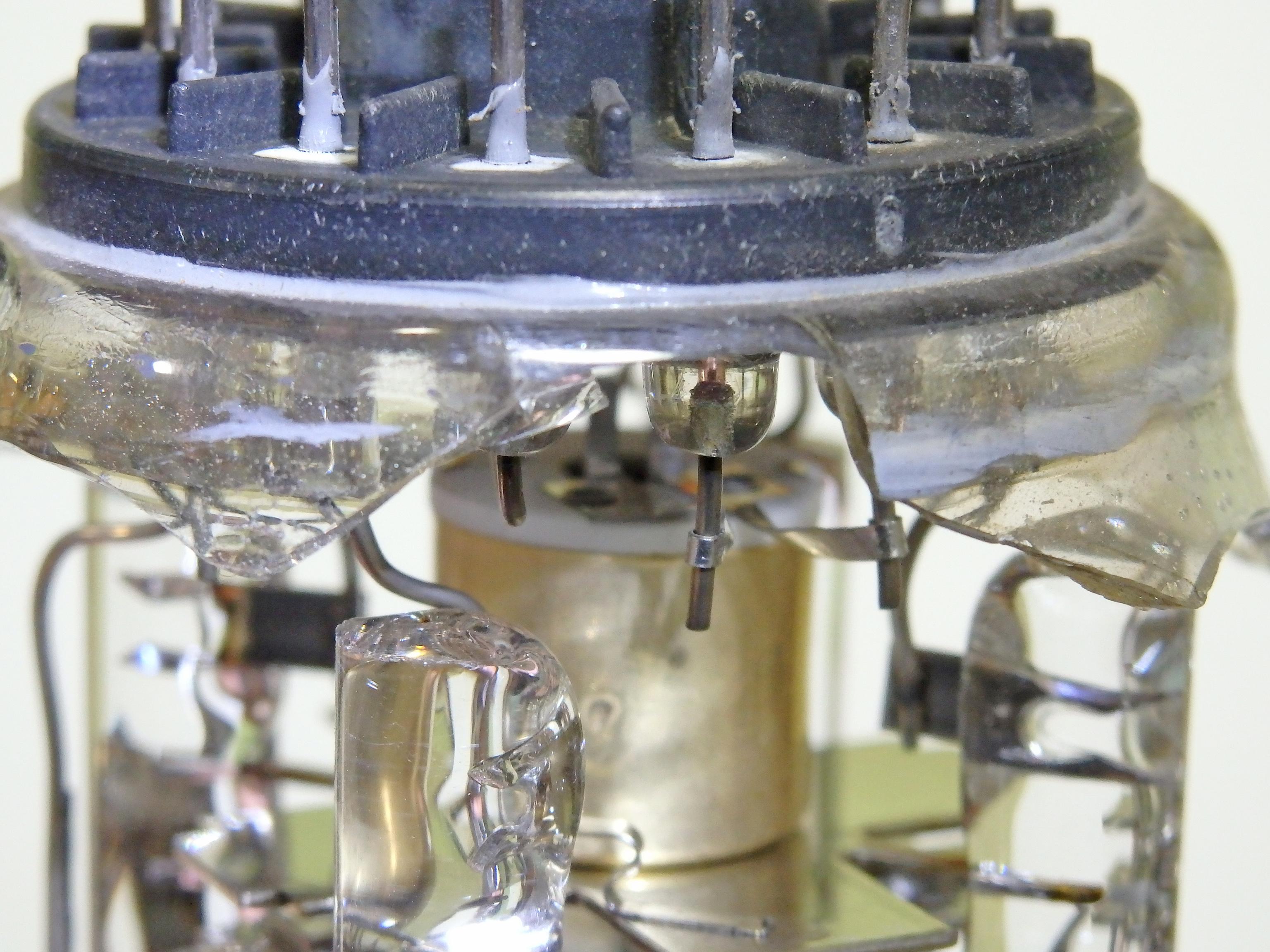 Electron Gun Assembly : A humpty dumpty crt oscilloclock